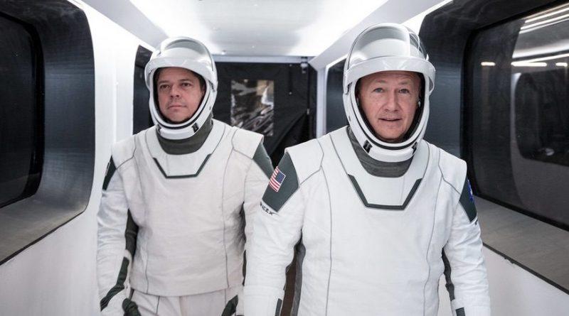 Маск собирается впервые отправить астронавтов к МКС в мае