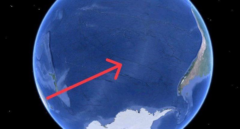 """На дне Тихого океана есть место, где """"гибнут"""" сотни гигантских космических кораблей"""