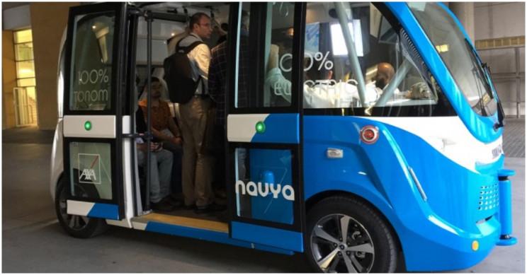 Электрические автобусы без водителей запускают в 5 городах