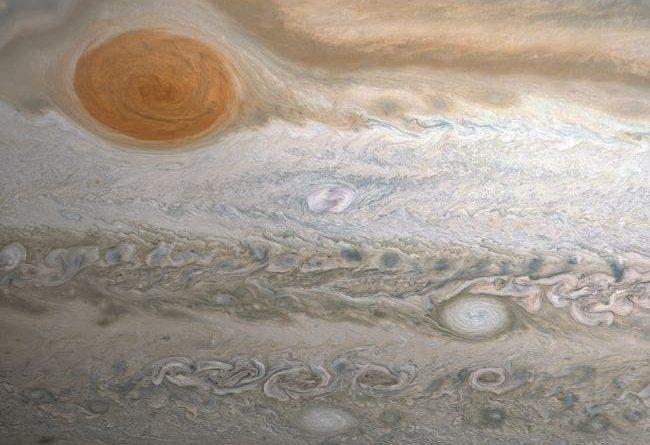 Астроном-любитель нашел новый шторм на Юпитере
