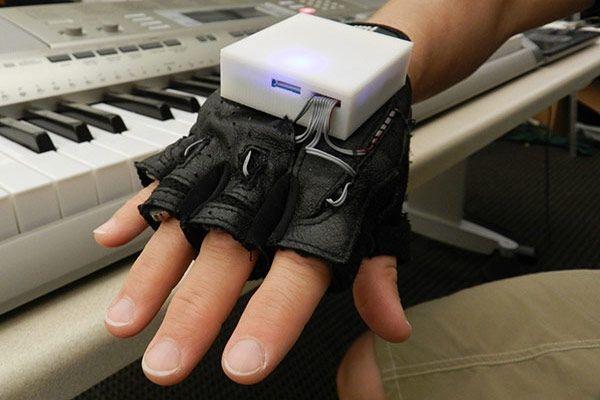 Перчатки для игры на пианино